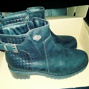 Ladies size 9.5 black leather Harley Davidson ankl